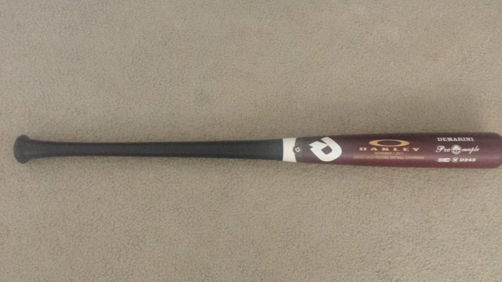Oakley Baseball Bat - 20160602_113940.jpg