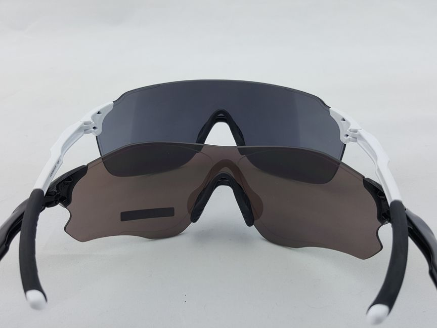oakley black iridium vs prizm