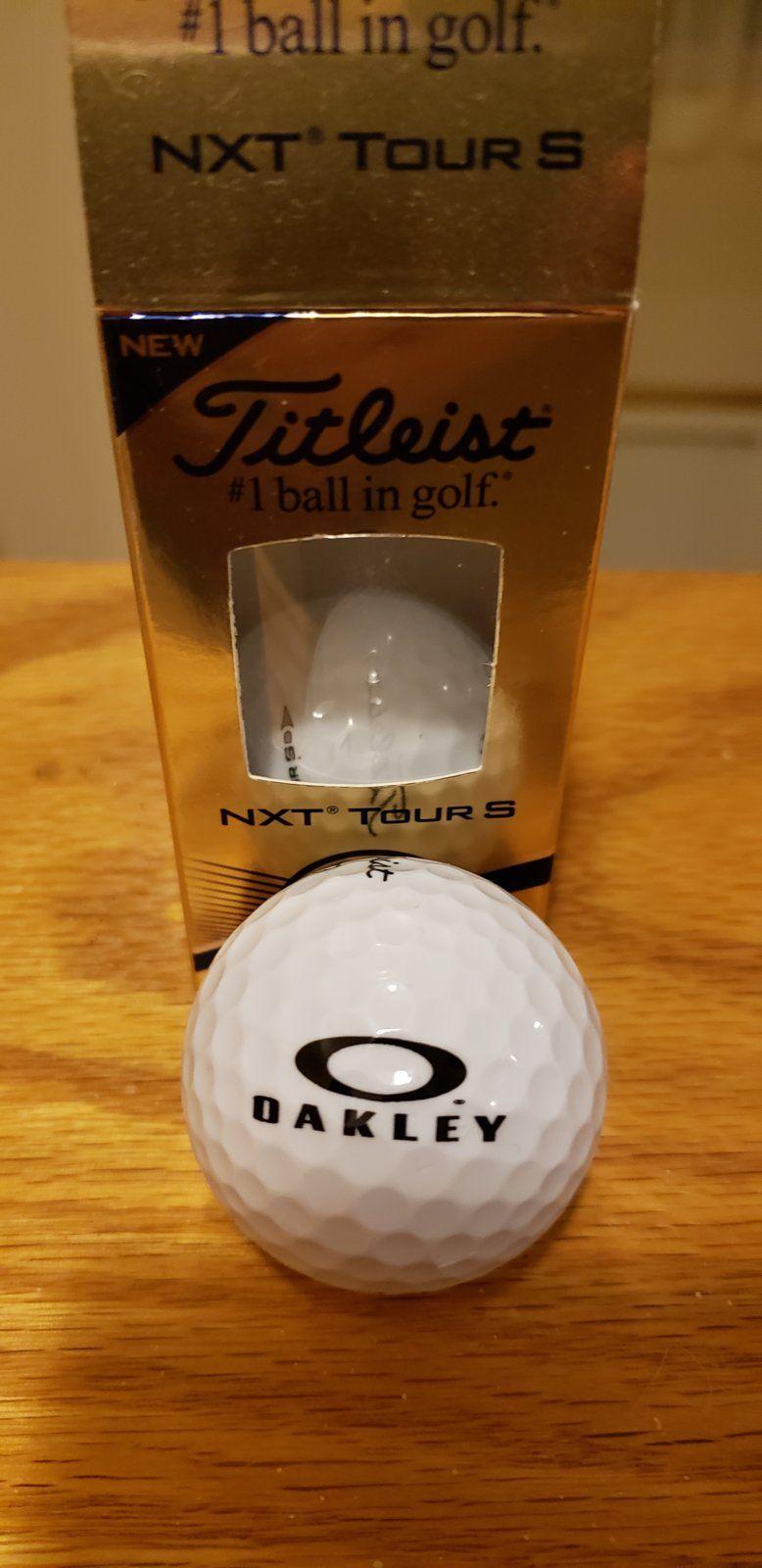 Titleist Oakley Balls - 20190210_224020.jpg