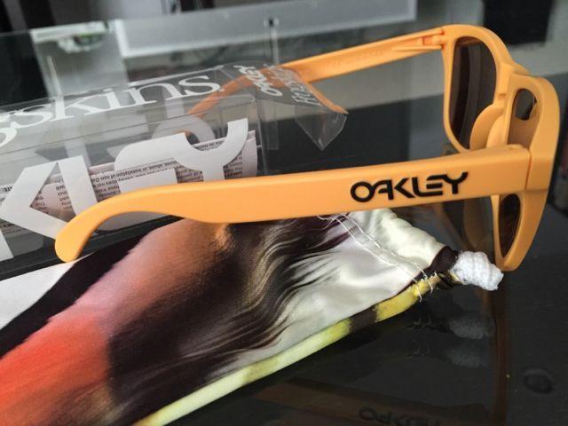 Oakleys for Sale - 209298b6205ff119f03f54b1c252fc7c.jpg