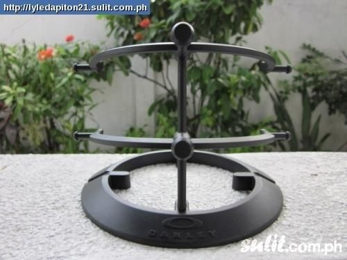 Question About Oakley Display Stands 2.0 - 220506696_displaystand.jpg