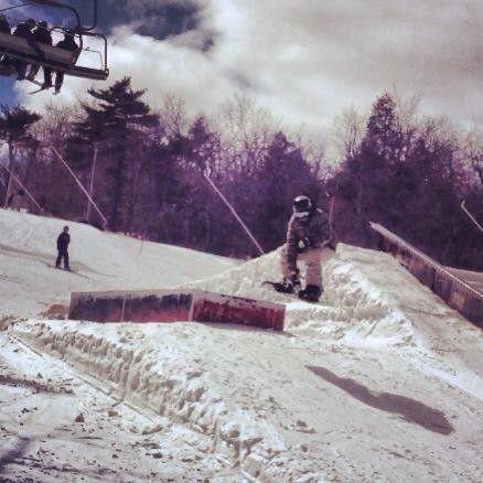 Anyone Snowboard Or Ski? - 221614_4062807943475_1397510657_n.jpg