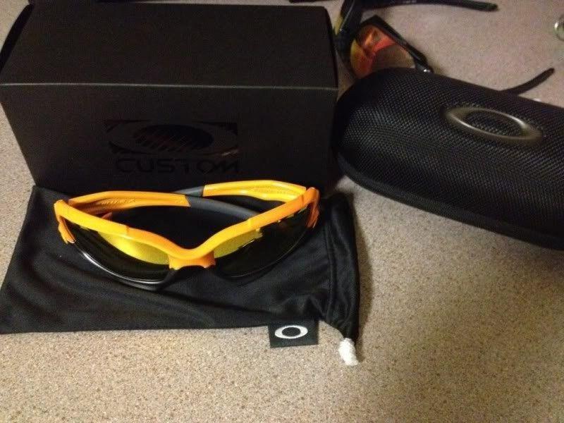 Atomic Orange Jawbone - 234E7ED6-138A-4482-A44E-747C14BCE562-27686-0000210F12ED5ED6.jpg