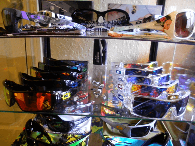 Show Us Your Custom Oakleys! - 23906b9d.png