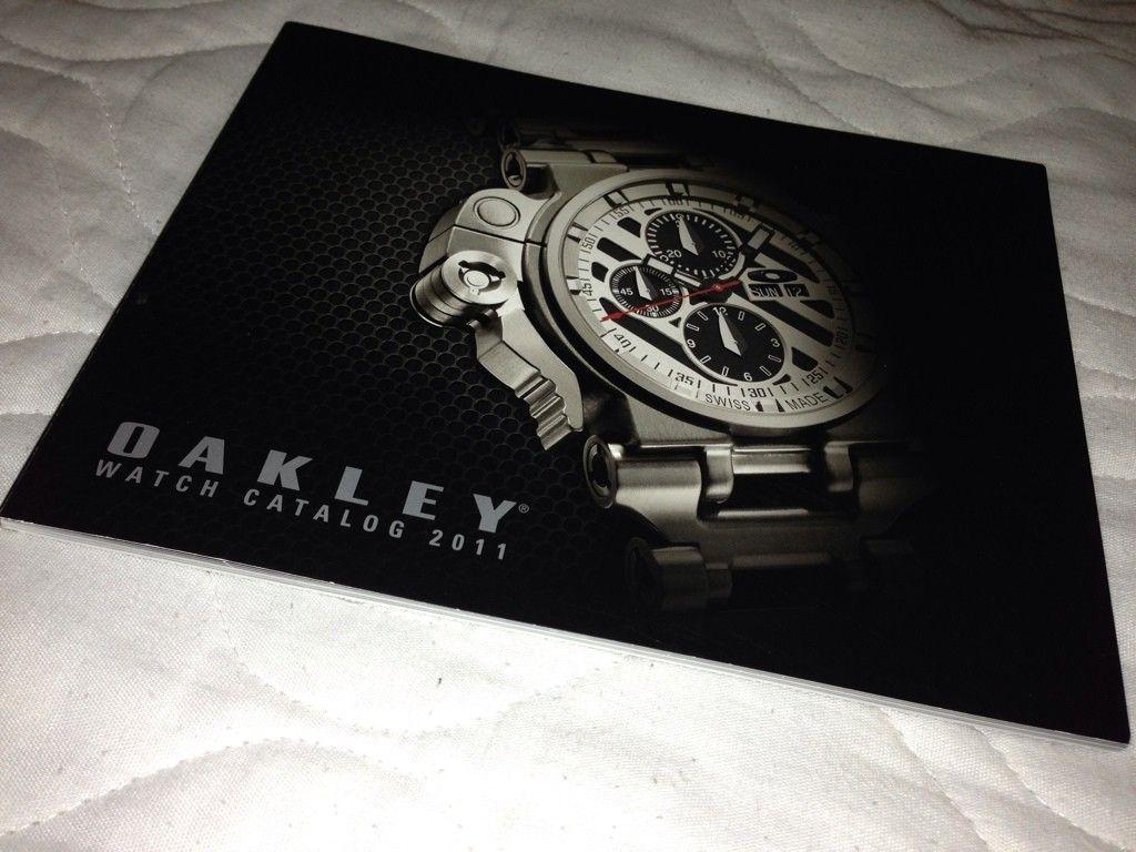 Oakley Watch Box And Catalog - 24553A21-AB1F-4D52-AE83-679183D5C434-196-00000007B82CDBBE.jpg
