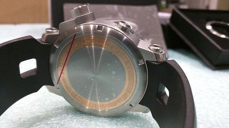 Brand New Oakley Killswitch White Face w/ 2 Bezels - 27243974973_ecb2e975df_c.jpg