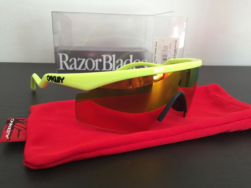 BNIB !! Oakley New Razor Blade Polished neon yellow / fire iridium - 27265270534_c5e8f5ce91_c.jpg