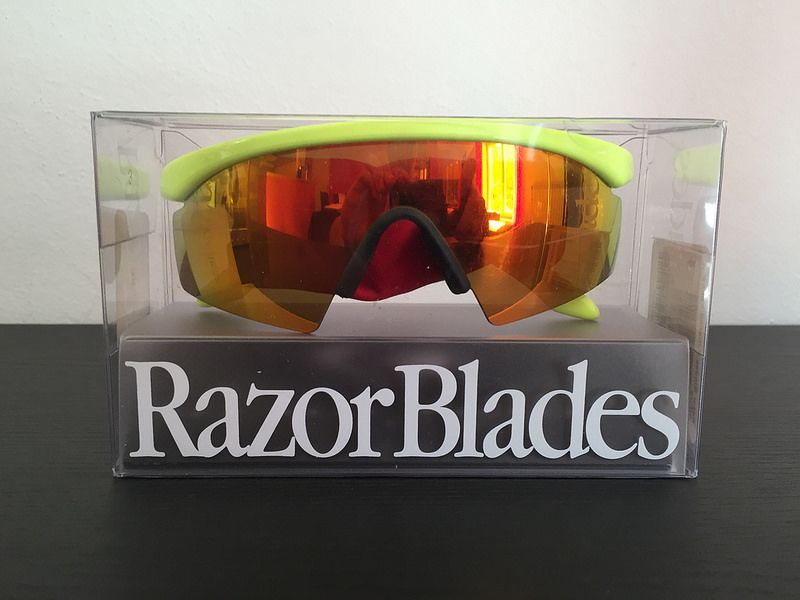 BNIB !! Oakley New Razor Blade Polished neon yellow / fire iridium - 27599316170_74ea2b8f6f_c.jpg