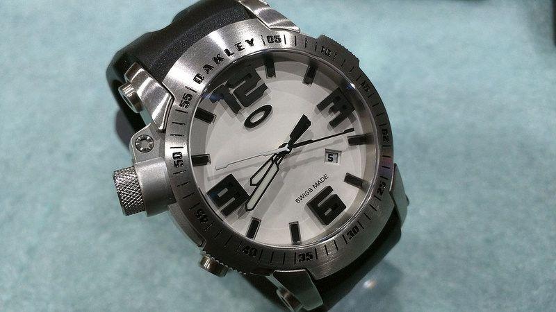 Brand New Oakley Killswitch White Face w/ 2 Bezels - 27754684362_52b57d8d47_c.jpg