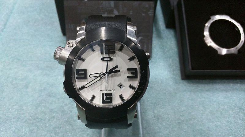 Brand New Oakley Killswitch White Face w/ 2 Bezels - 27754686502_58d21ec6fc_c.jpg