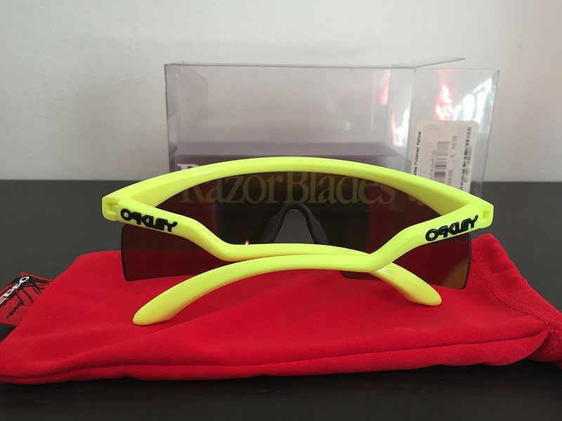 BNIB !! Oakley New Razor Blade Polished neon yellow / fire iridium - 27842755966_6a6f912b71_c.jpg