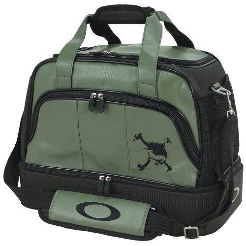 Oakley Logo On Apparel - 29e3zh2.jpg