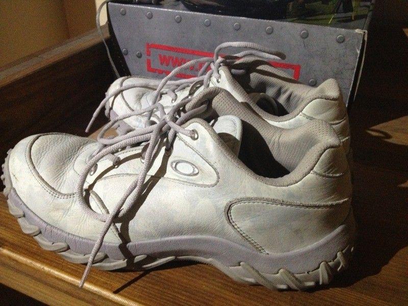 SI Snow Camo Assault Shoe, Black SI Shoe, Megajoule Mid Shoe - 2E640920-ACAE-49C7-9329-67CCF3851A80-7592-000006877DFC2ABA_zps4f5427ac.jpg