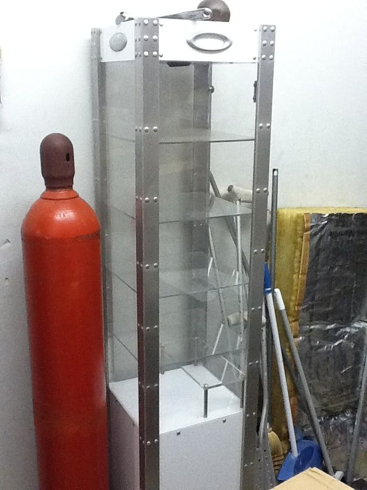 For Sale...Tall Oakley Display Tower - 2ec1aa4a.jpg