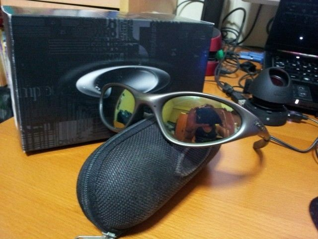 Identify This Pair Of Oakleys - 2jg8qqr.jpg