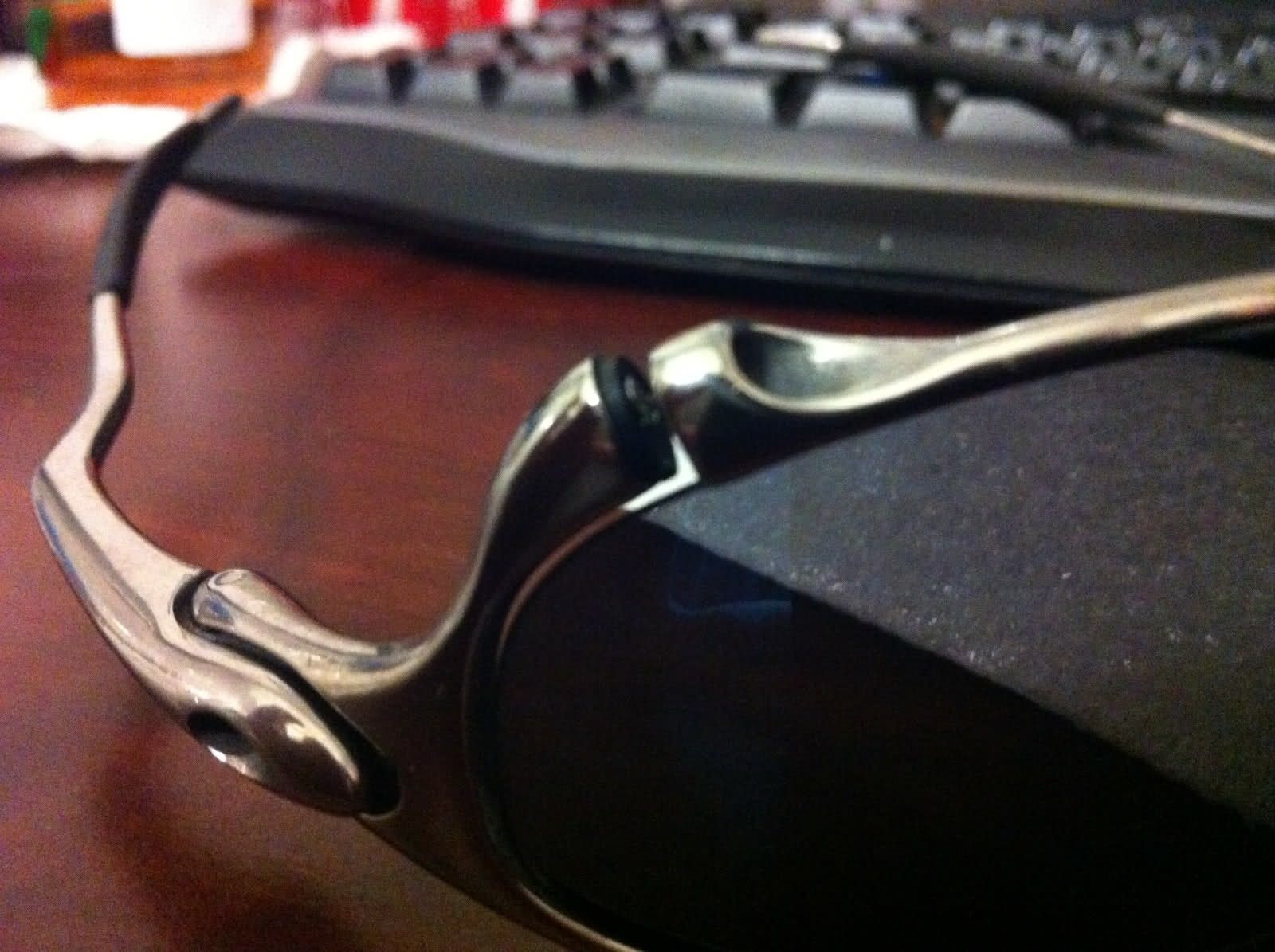 Check out how Oakley sent my polished J's back to me after a tune up. - 2pserl2.jpg