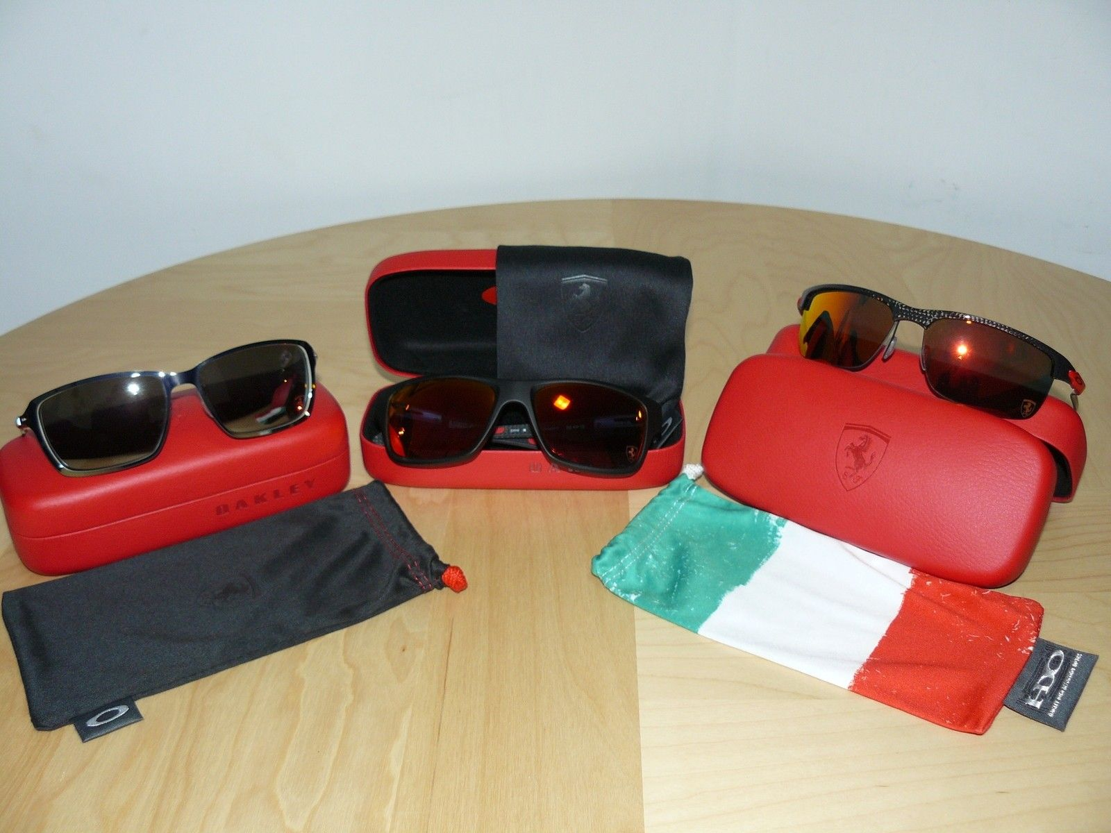 New Items in DOakley's collection - 3 Ferrari.JPG