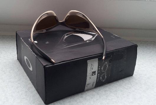 Small price drop - In Germany - Racing Jacket (Gen 1) Platinum w/Root beer & Gold Iridium Lens - 3.png