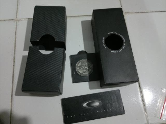 Juliet Box N Coin, Xsquared Coin, White Earsock N White Nosepad Ichiro - 30092013096_zpsae42bc37.jpg