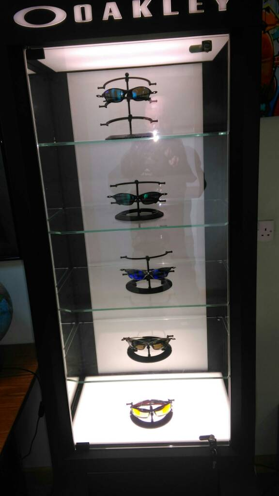 845a158cf353 ... xmetals Oakley display cabinet. - 3020e2f726209334904f352ae6955b2f.jpg  ...
