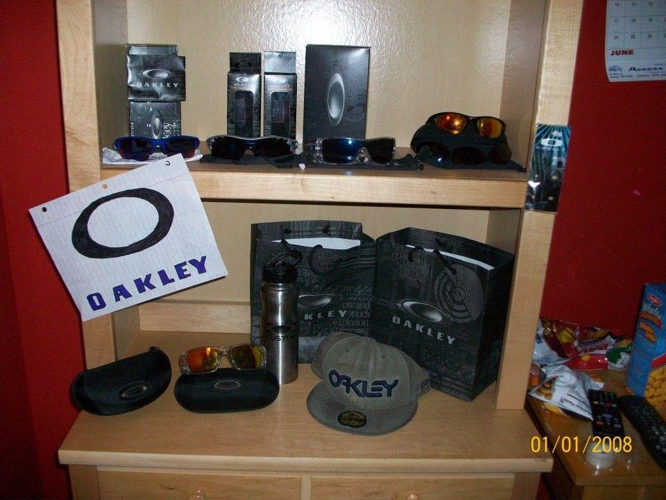 My Display - 308487_3918660643423_416401174_n.jpg