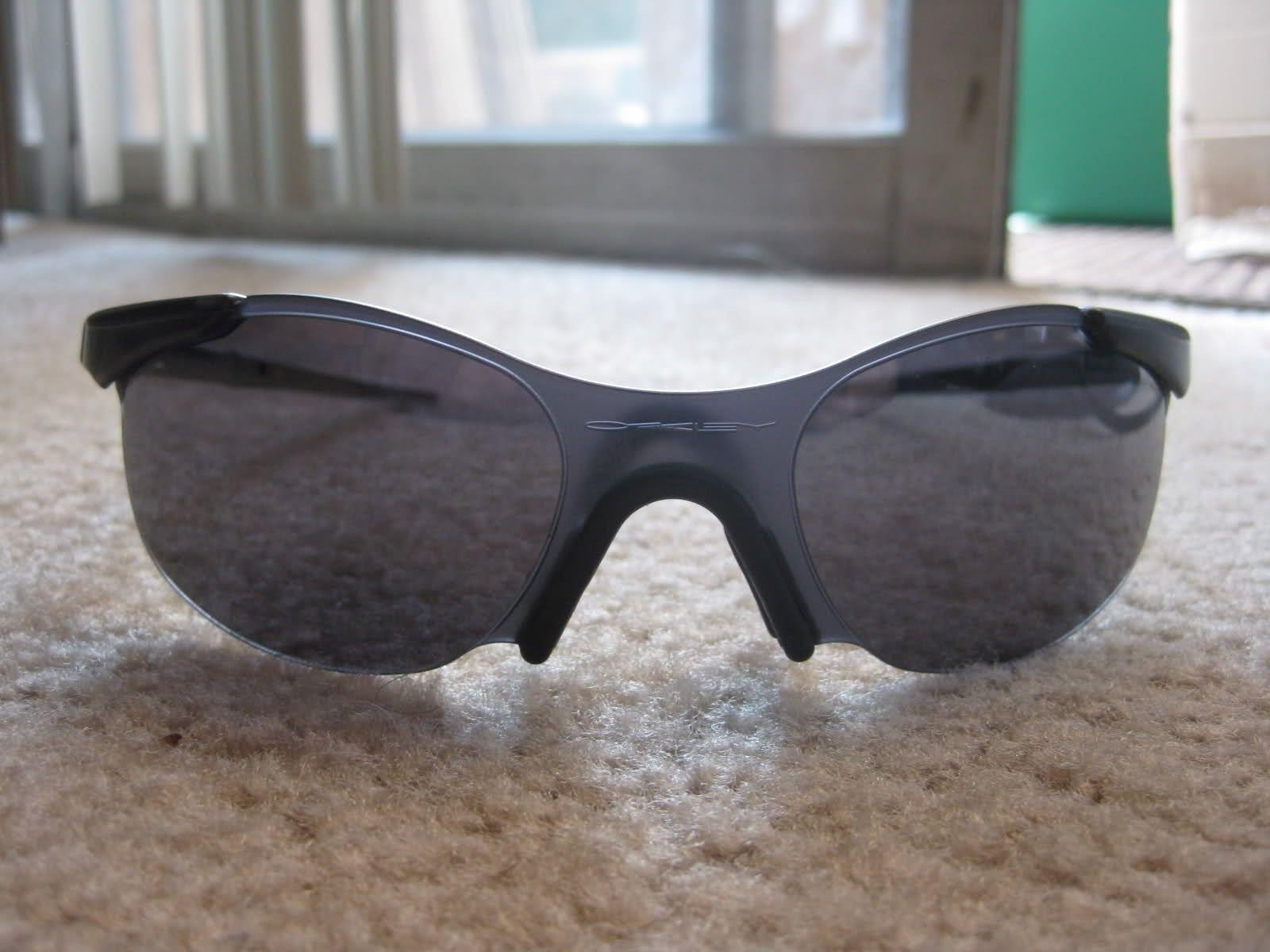 Help In Identifying These Oakleys :) - 30uembm.jpg
