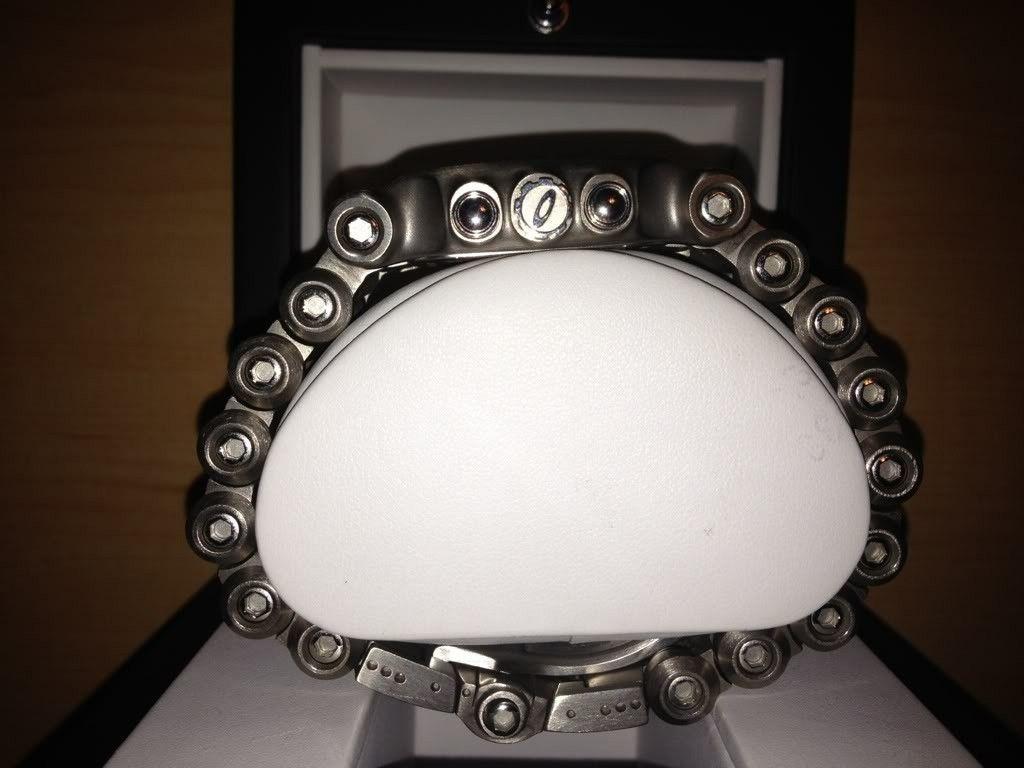OAKLEY MINUTE MACHINE Yellow Dial/Titanium Bracelet - 3353f494.jpg