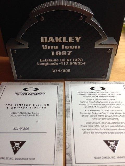 Oakley Bunker #368, #374  SOLD - 374.JPG