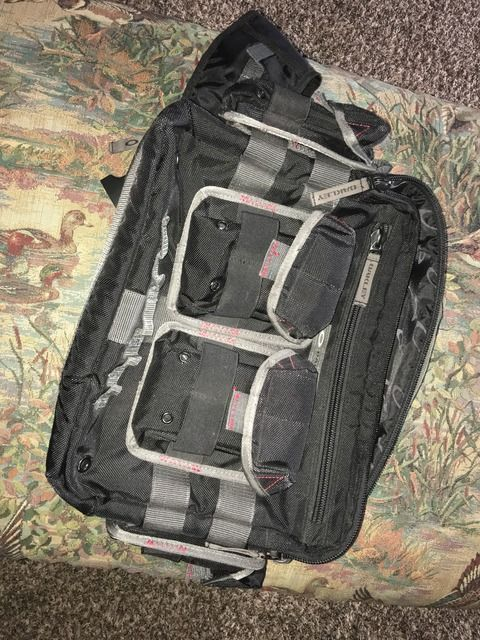 Can anyone help show me how this bag works? - 3C1ABAE7-DA9B-472B-BE57-B3761159F09F_zpsblwkyxyb.jpg