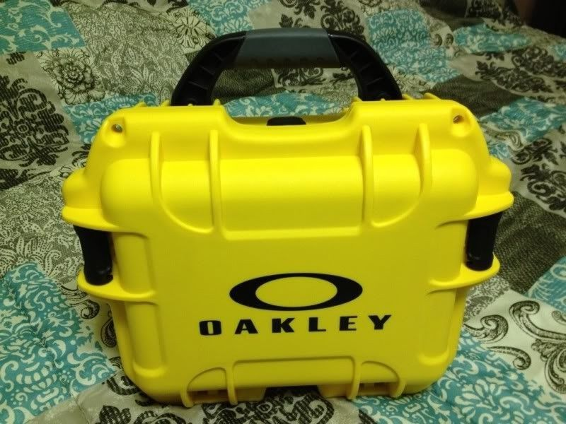 *-*-*-Oakley Watches And Carrying Case-*-*-* - 3de2d6e2.jpg