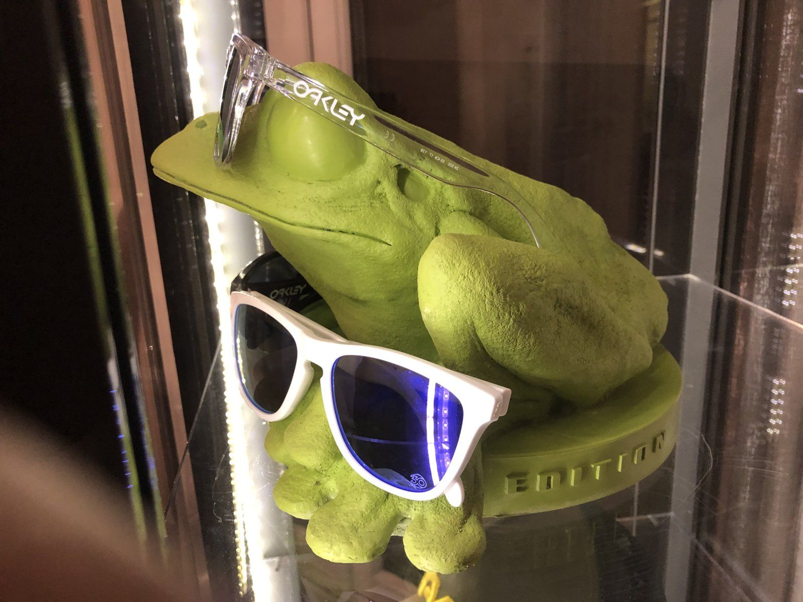 Custom frogskin display - 3FD9A258-C707-40FD-A5D1-D44A8FDBAE05.jpeg