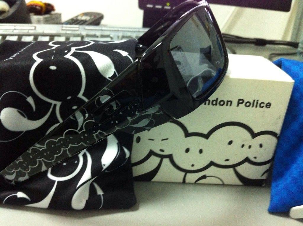 FT: London Police Gascan - 402c6afe.jpg
