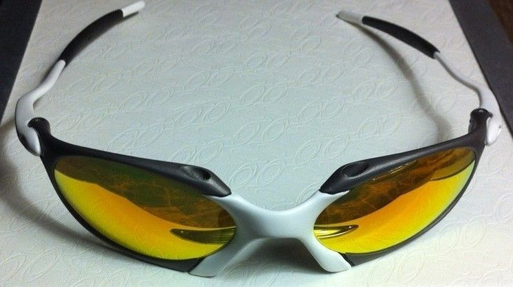 Oakley R1 Custom X-metal And Matte White (one Of A Kind) - 40ED78DC-35C2-4459-9EAE-80D4EBEBAB7B.jpg