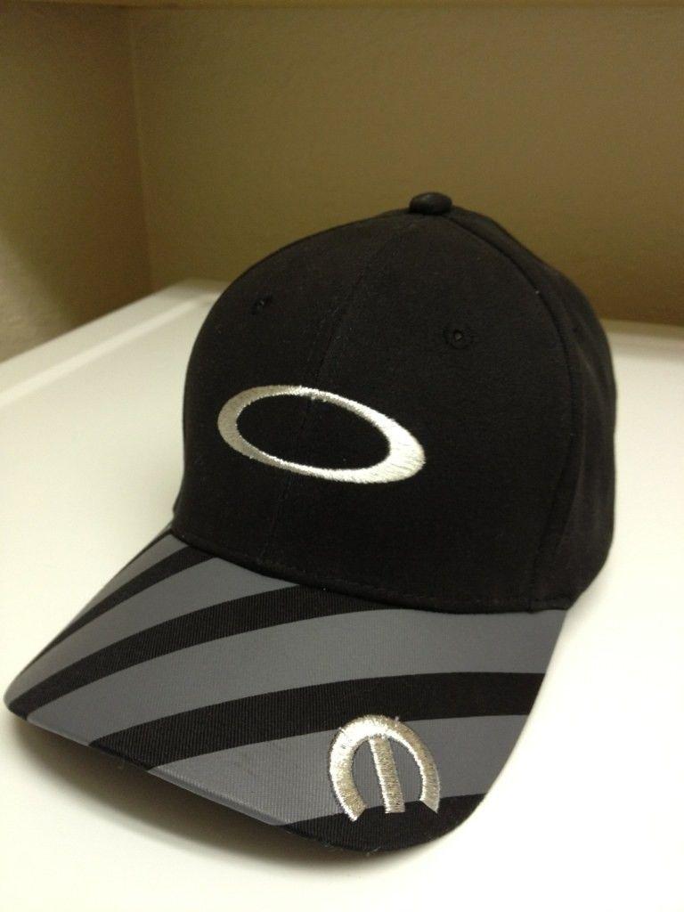 Oakley & Racing - 41097fa5-daa9-2580.jpg