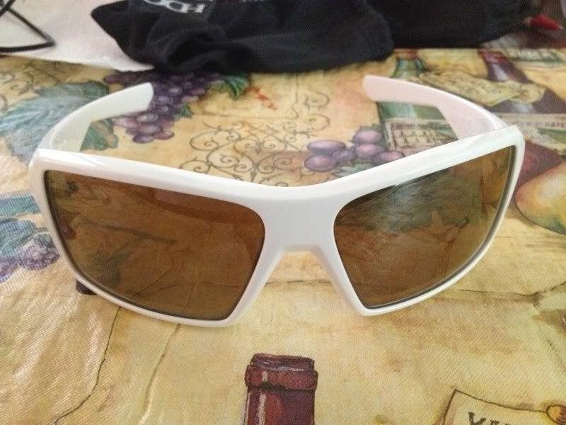 Eyepatch 1 White/Grey $70 And Fast Jacket XL Black Iridium Lens - 41D24165-F276-46B1-A23B-4A8FDB71BD2F-1876-0000005F93700ECA_zps5a437bfe.jpg