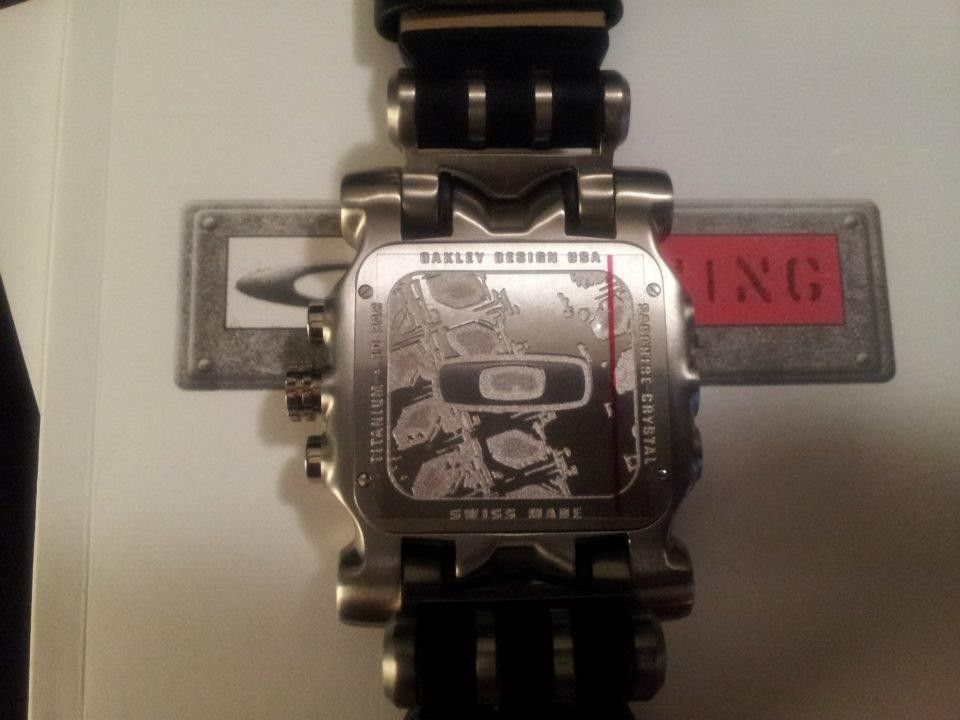 Selling Oakley Minute Machine Leather Band Edition! Brand New! - 428894_4154060300070_924257199_n.jpg