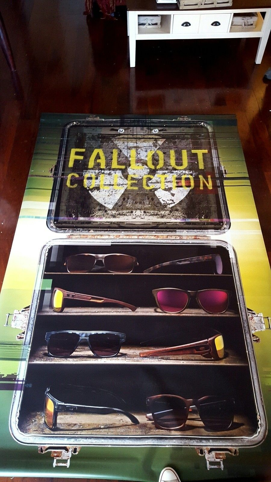 3 Large Vinyl Window Banners. Fallout & Carbon Blade Ferrari - 45B1xBE.jpg