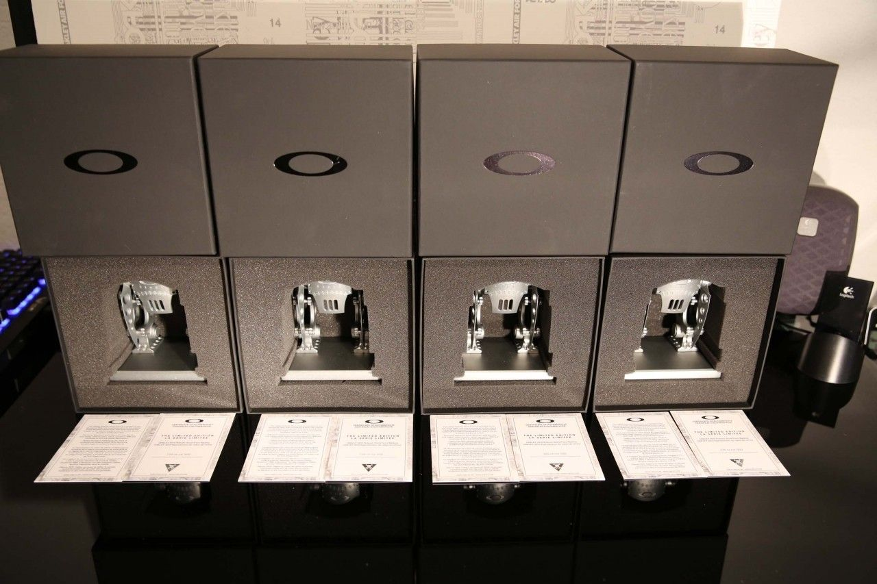 Robotic Store Front Display $260 CONUS Shipped G&S - 4675-1451353978-2e940a6c0a37554fc0ec4c0451d18207.jpg