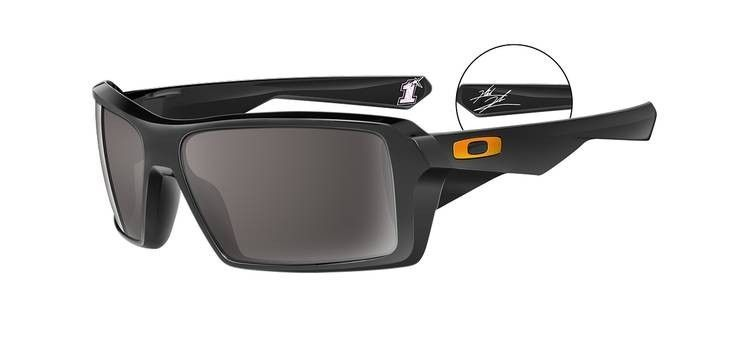 What MotoGP Riders Wear - 46c1dca0f2579.jpg