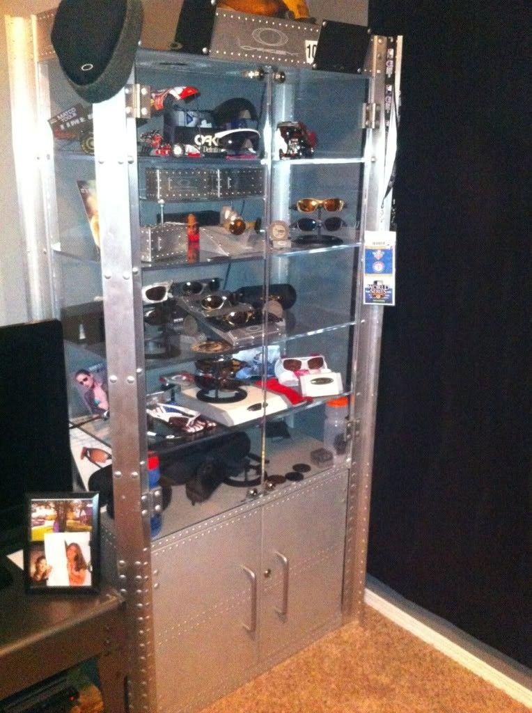 FS: 2 Display Cases Aluminum 1 DW 1 SW!!! - 482d2eef.jpg