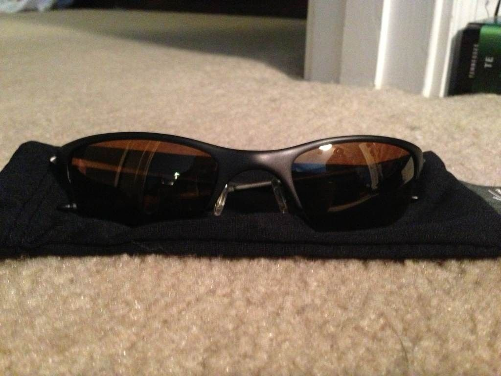 Tell me more about these Oakley's - 4ahurave.jpg