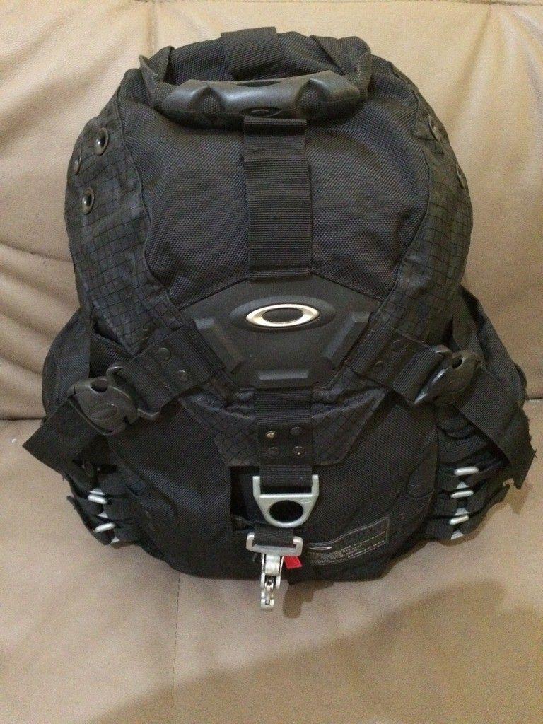 [Fake or Real? ] Identify an Oakley Backpack - 4CDF3536-8F82-4562-8F8A-53858467BD3D_zpseqg6qbhc.jpg