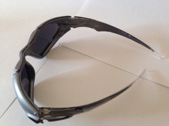 Few Pairs of Oakleys - 4u5y3uje.jpg