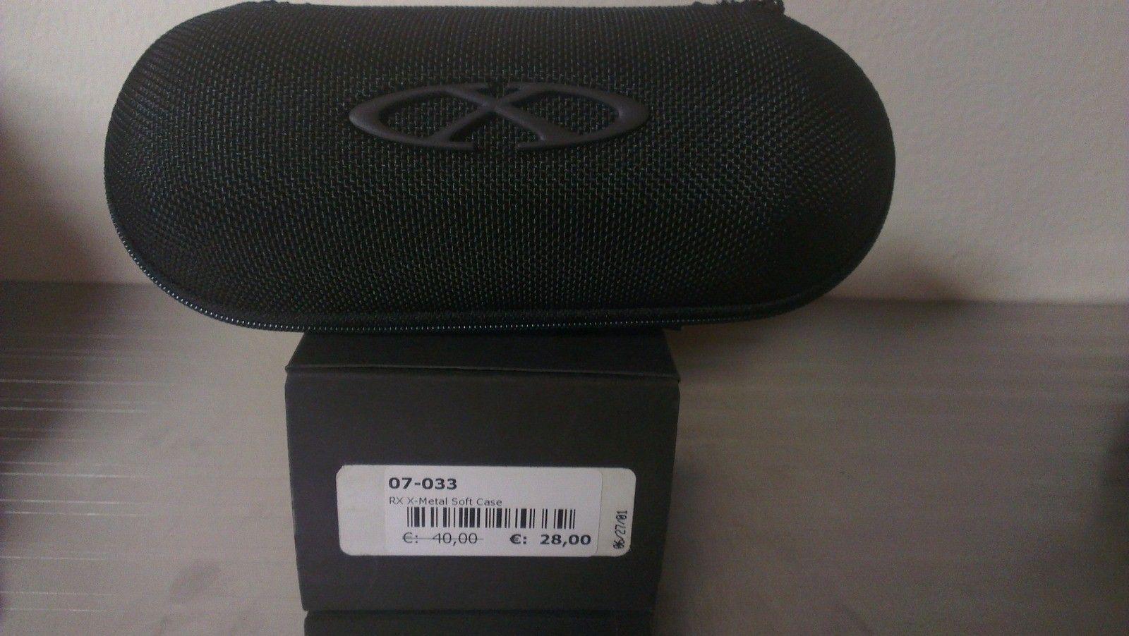 Oakley XMETAL Soft Vault 07-027 (complete W/ Box) - 4zqzj2p3.jpg