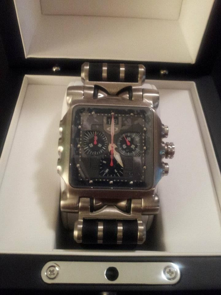 Selling Oakley Minute Machine Leather Band Edition! Brand New! - 529621_4154054859934_2147268867_n.jpg