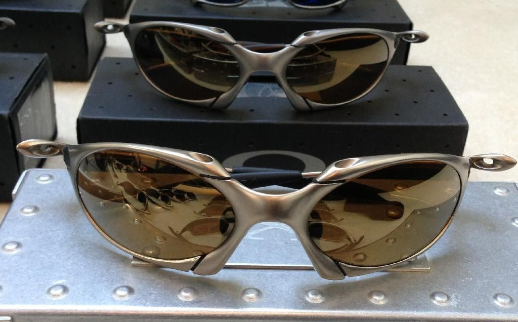 Titanium / Gold Romeo 1 - 529B2AA3-C53E-4D80-A292-5222E715102A_zpsykngiloi.jpg