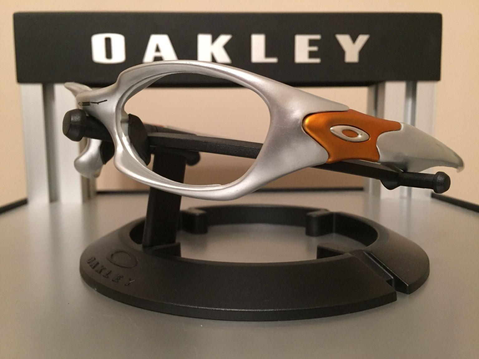 Oakley Valve 1.0 Bundle.......$110 - 577f4721d3d3ca7bfbe85c5057336992.jpg