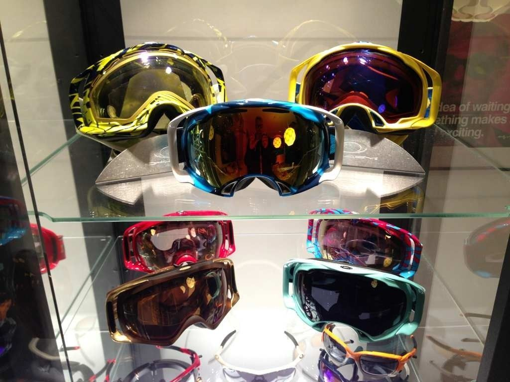 A Collection Of Goggles, Sports Shades And Few Others - 5a4yma6u.jpg