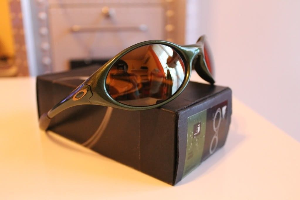 M-Frames, Eye Jacket, Art Chantry, Jawbone - 5fade751ee038d6206e8e03a22321861_zps6f59e3ac.jpg