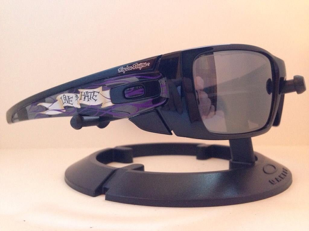 Oakley Troy Lee Designs....Love/Hate Fuel Cell....$300 - 5y9y3a8a.jpg